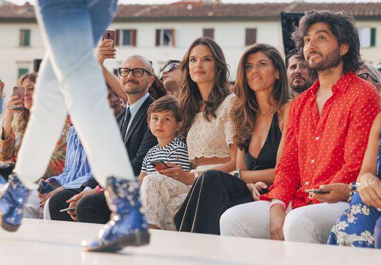 Alessandra Ambrosio Front Row