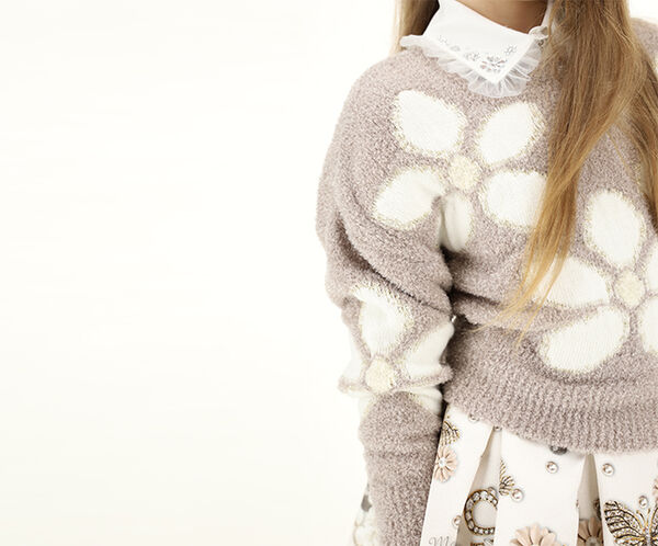 Crosby pullover with daisies
