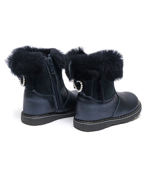 Leather ankle boots with sheepskin details