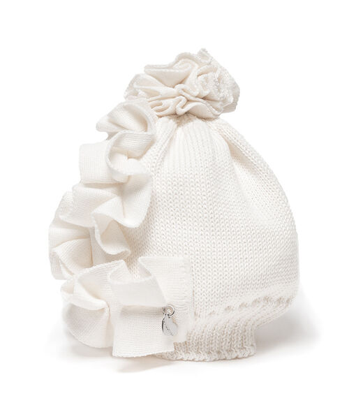 Hat with ruffles
