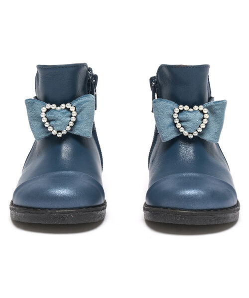 Leather ankle boots with bow