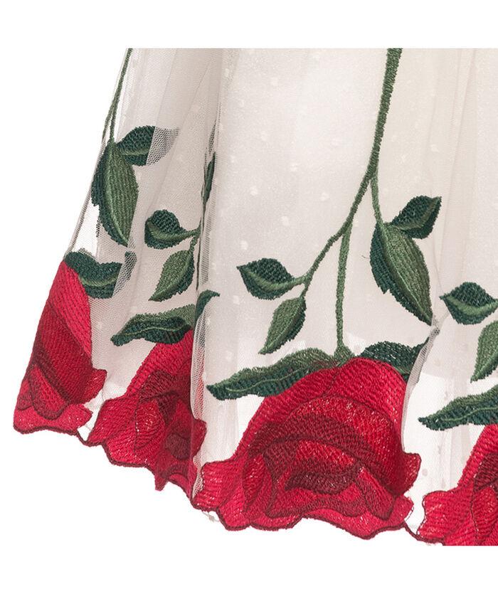 Элегантное платье из тюля с розами